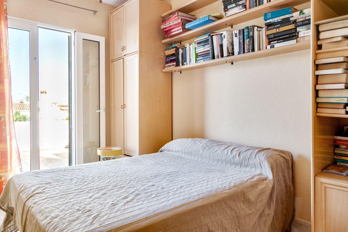 schlafzimmer schrankwand ikea lattenroste 140x200 schlafzimmer lampe philips wandfarb ideen. Black Bedroom Furniture Sets. Home Design Ideas
